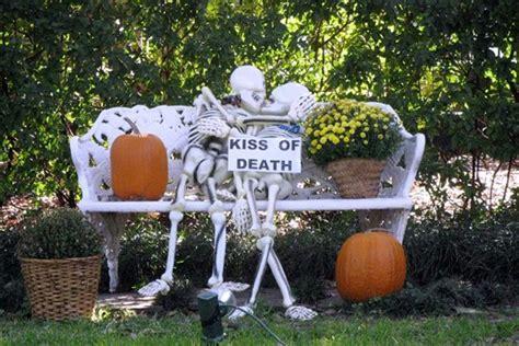 funny skeleton decorations     halloween