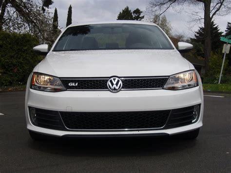 2012 Volkswagen Jetta Gli, Size