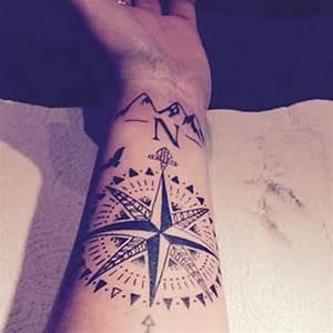 Tattoo Avant Bras : tatouage boussole rose des vents avant bras tatoo ~ Melissatoandfro.com Idées de Décoration