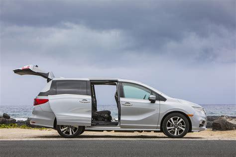 Do The Chevrolet Tahoe Grande's Sliding Doors Make