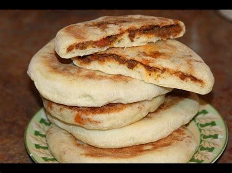 la cuisine marocain batbout farci à la viande hachée recette marocaine