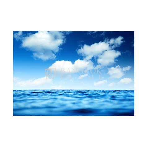 ท้องฟ้า พื้นน้ำ