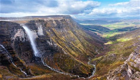 cascade du nervion itineraires touristiques tourisme