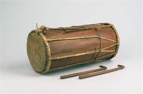 Hasapi sering disebut sebagai kecapi batak karena bentuknya mirip dengan kecapi. 40+ Contoh Alat Musik Tradisional Sumatera & Cara ...
