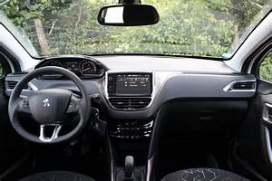Loa Peugeot 2008 : a l 39 int rieur de la peugeot 2008 ~ Medecine-chirurgie-esthetiques.com Avis de Voitures
