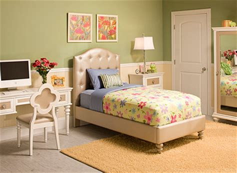 raymour and flanigan youth desks raymour and flanigan bedroom sets matttroy