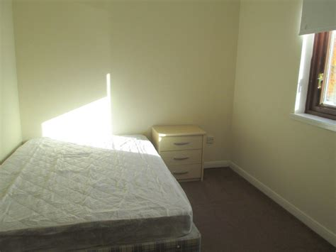 property  rent  st georges cross  st georges road
