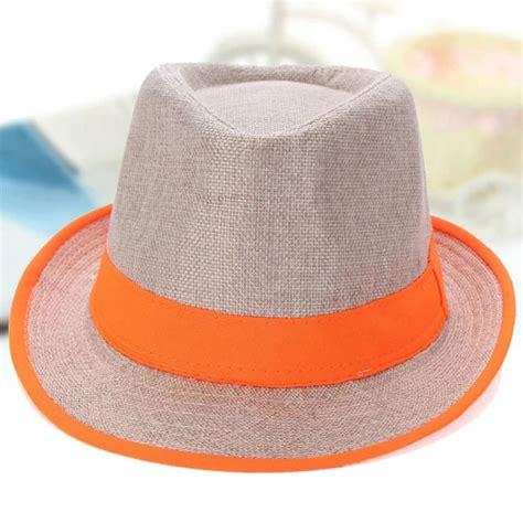 topi pantai pria rekomendasi fashion pria untuk liburan ke pantai