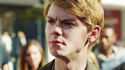 Thomas Brodie-Sangster Imagines - Misses their daddy part ...