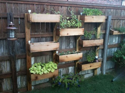 Backyard Fence Decor by 55 Who Took Their Backyard Fences To Another Level