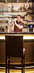 Whisky Bar Für Zuhause : exklusive rezeption mit kaminbar lounge zum entspannen ~ Bigdaddyawards.com Haus und Dekorationen