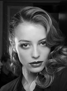 Coiffure Des Années 50 : col claudine les ann es 50 maquillage et coiffure ~ Melissatoandfro.com Idées de Décoration