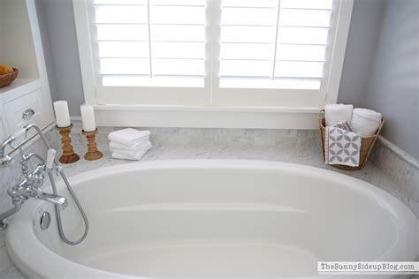 6 bath tub master bathroom shelves tub the side up