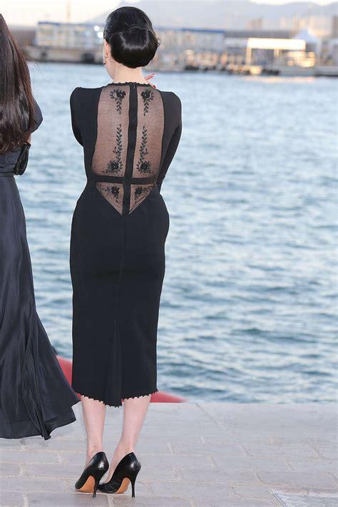 dita von teese  black dress  gotceleb