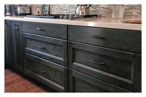 three drawer kitchen base cabinets kitchen cabinet must haves 8465