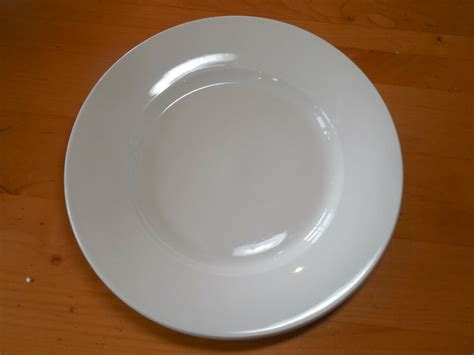 Pottery Barn China Off White Wide Rim Set Of 4 Dinner