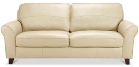 comment faire briller un canapé en cuir nettoyer un canapé en cuir blanc tout pratique