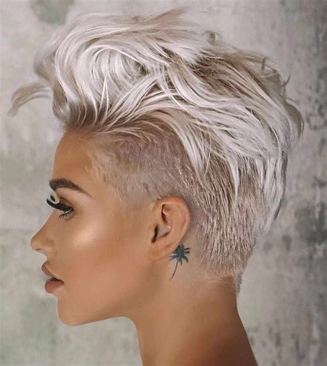 35 Latest Pixie And Bob Short Haircuts For Women 2020