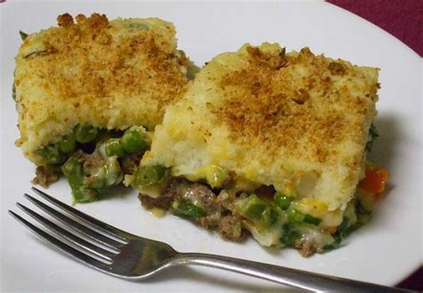 mixture green bean mashed potato ground beef