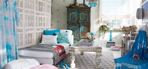 India Inspired Modern Living Room Designs   Decoholic