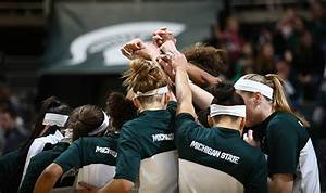 Women's basketball escapes with 71-67 win over Wisconsin ...