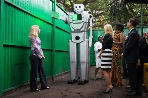Traffic robots in Kinshasa - Wikipedia