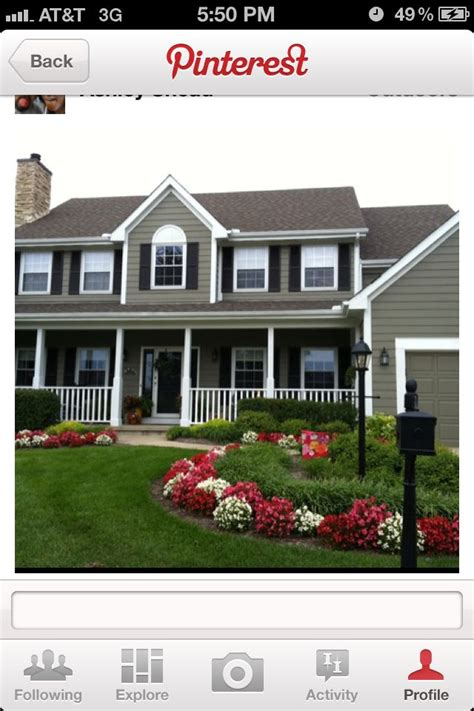 landscaping flowers around light post outdoor living