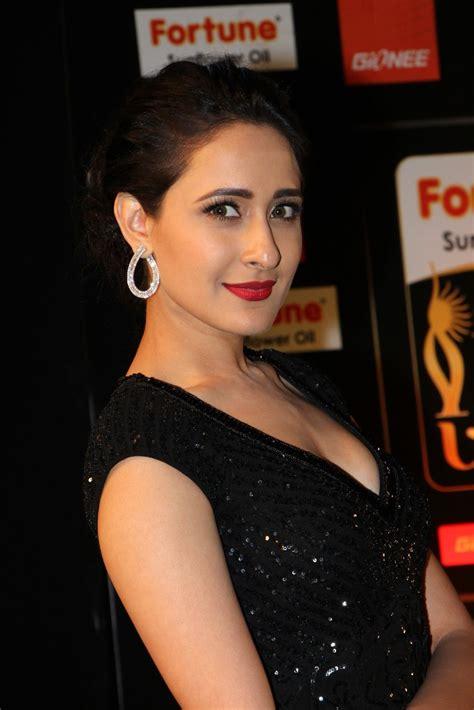 High Quality Bollywood Celebrity Pictures Pragya Jaiswal