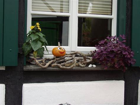 Herbstdeko Fenster Aussen by Besonders Reizvolle Fensterbank Deko Archzine Net