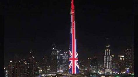 burj khalifa lights   colours  british flag