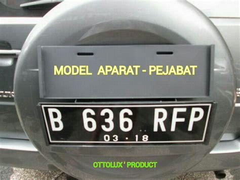 jual dudukan plat nomor mobil tempat plat nomor sisip dari atas bisa cabut pasang