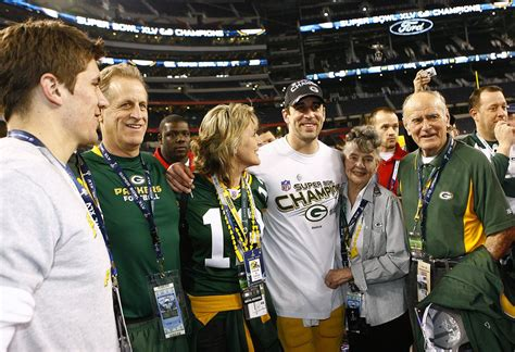 green bay packers qb aaron rodgers father confirms son