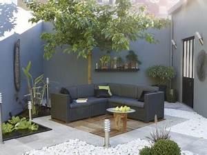 deco terrasse bois et galets salon de jardin gris With deco cuisine pour salon de jardin