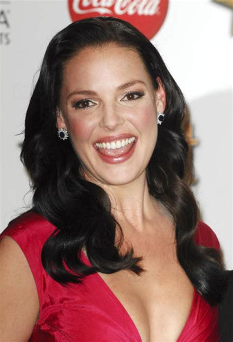Top 32 Katherine Heigl's New Fashion Trendy Hairstyles and