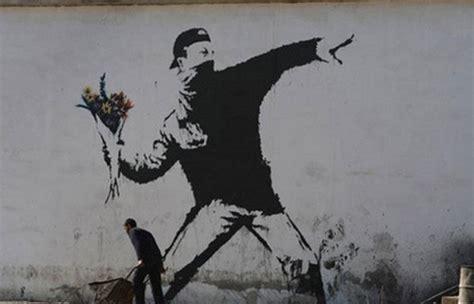 Banksy Artworks & Famous Street Art