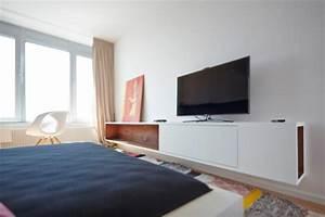 Kommode Für Fernseher : appartement mit luxuri sem minimalistischem touch an der donau ~ Frokenaadalensverden.com Haus und Dekorationen