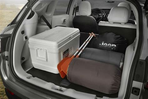 Jeep Compass Storage by How Much Cargo Can The 2018 Jeep Compass Fit Inside