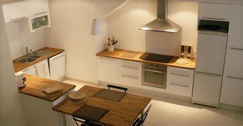 plan table de cuisine cuisine avec table et plan de travail en bois nathalie