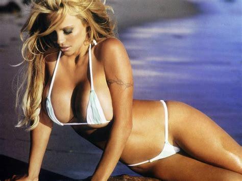 pamela anderson  bikini  youfrisky