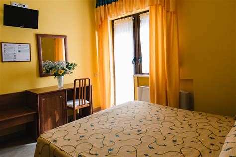 si鑒e social lcl camere in hotel a scanno hotel nilde