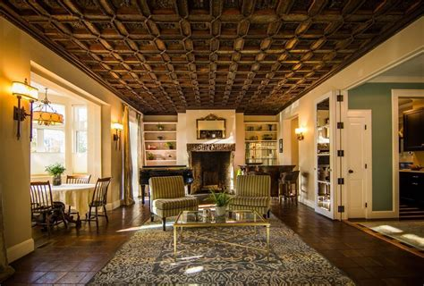 stunning homes  sale  beacon hill