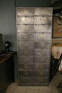 Casier Industriel Metal : ancien grand meuble 20 casiers industriel a clapet roneo 1940 ~ Teatrodelosmanantiales.com Idées de Décoration