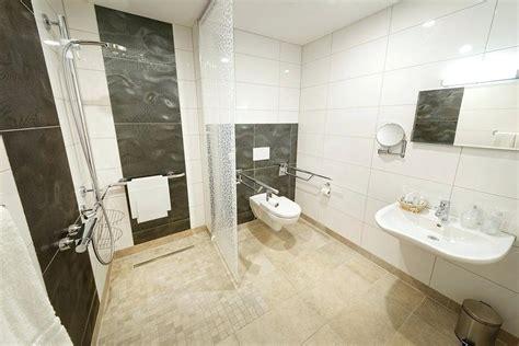Badezimmer Ideen Behindertengerecht by Badezimmer Behindertengerecht Badezimmer