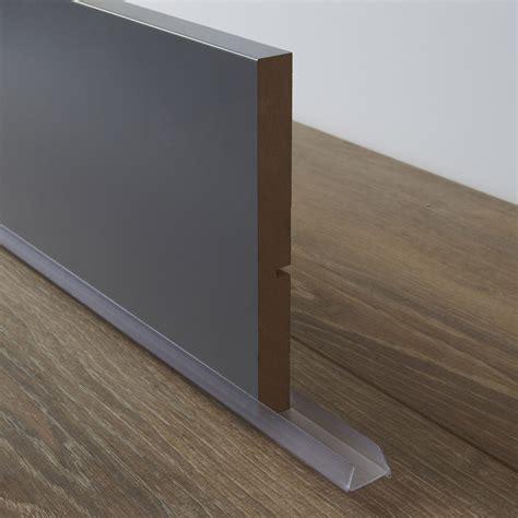plinthe de cuisine inox bavette de plinthe de meuble de cuisine delinia leroy merlin