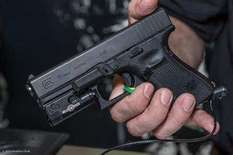 glock 19 strobe light surefire xc1 picture request