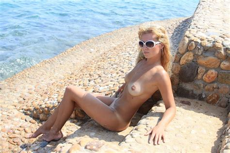 Hot Amateur Russian Wife On Vacation Russian Sexy Girls