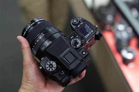 Fuji GFX 50S medium format digital camera first