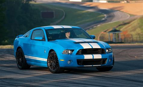 2014 Ford Mustang Shelby Gt500 Vs 2015 Dodge