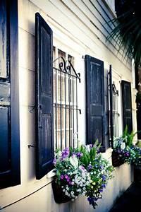 Fenster Mit Gitter : die fensterl den die romantische bekleidung der fenster ~ Sanjose-hotels-ca.com Haus und Dekorationen