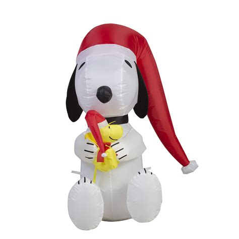 peanuts  schulz  airblown snoopy christmas decoration